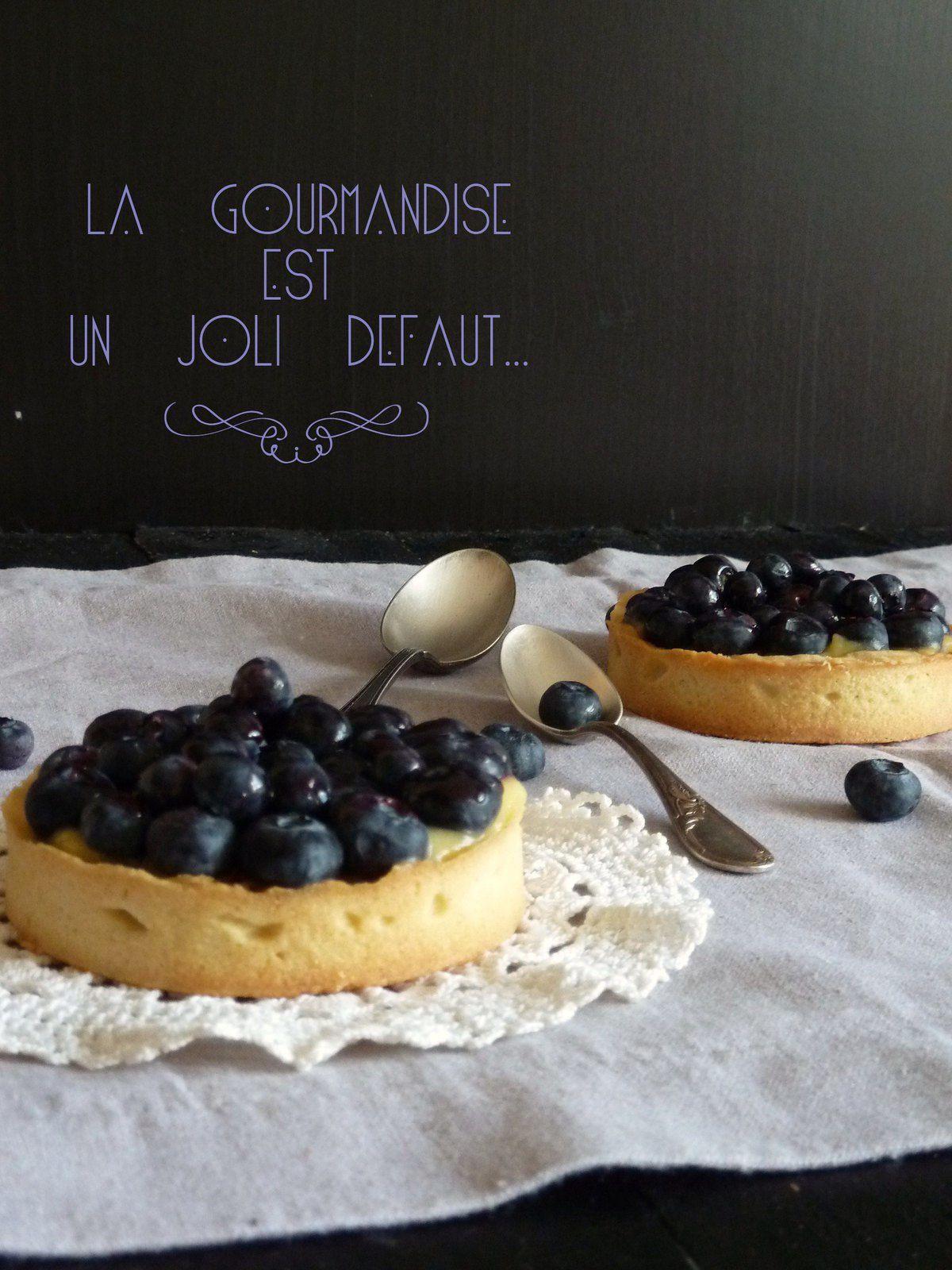 Tartelettes aux myrtilles , noisettes et citron