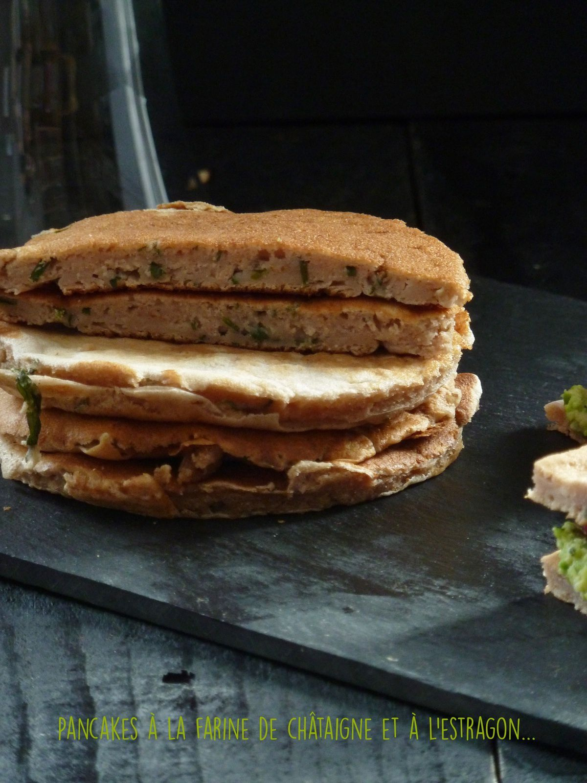 Pancakes à la farine de châtaigne et à l'estragon