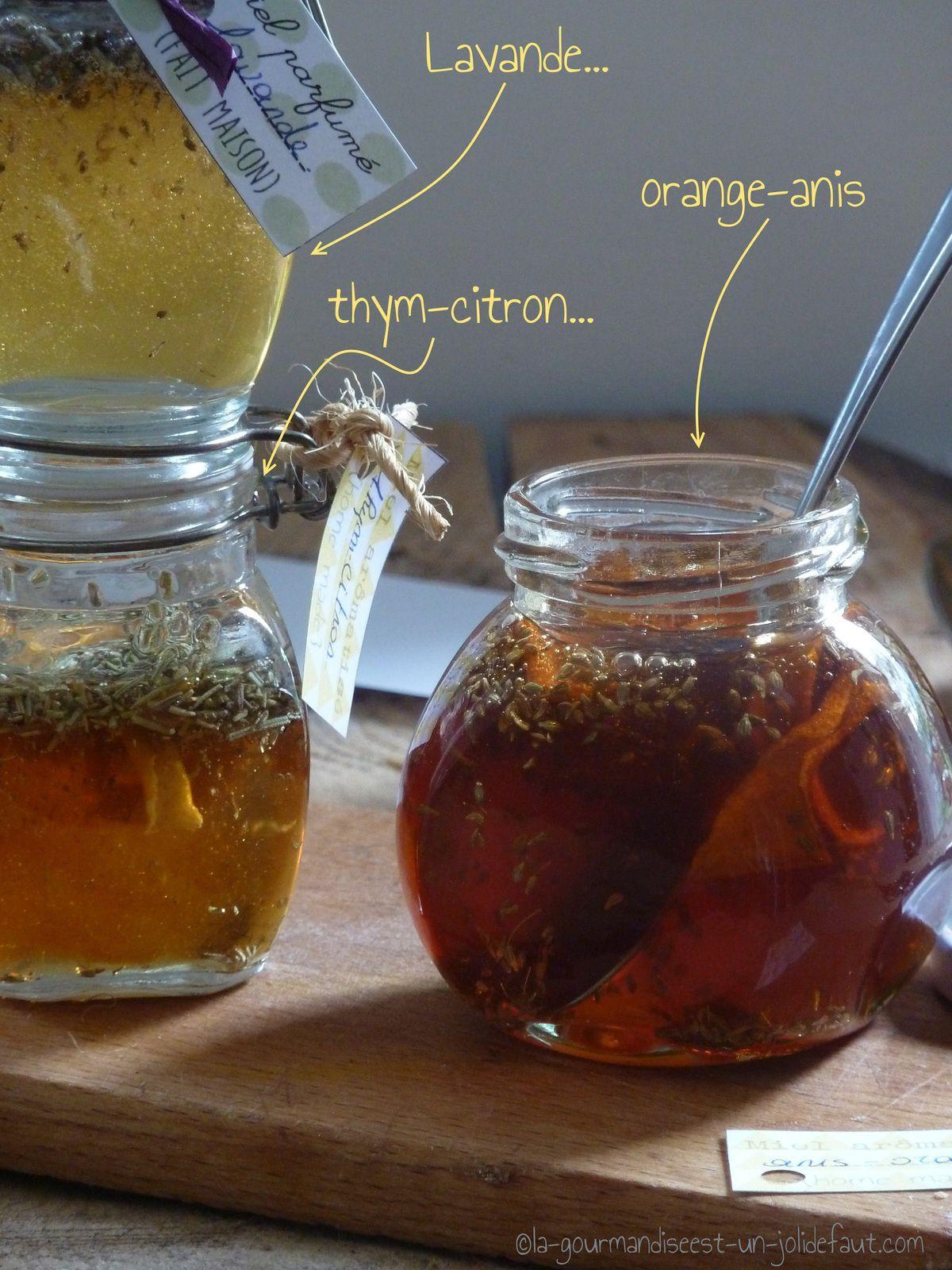 Petits pots de miel arômatisés