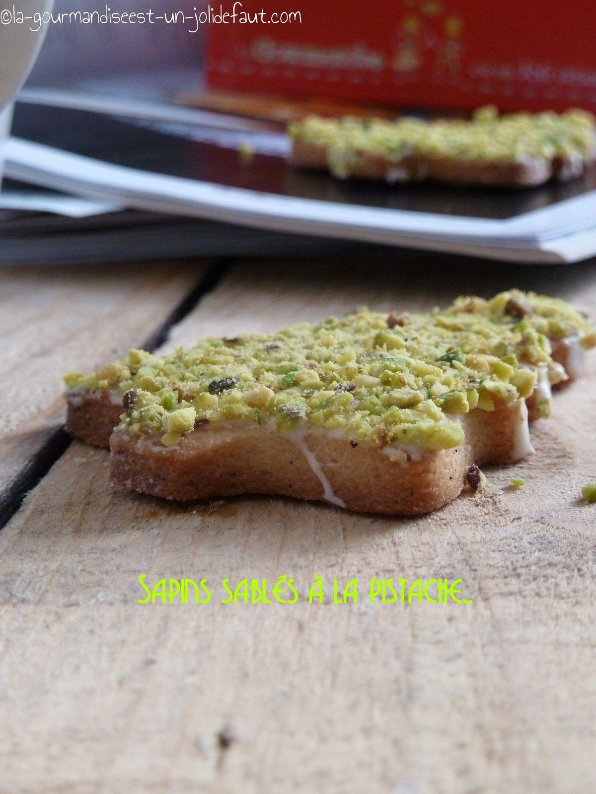Sapins sablés à la pistache, vanille et chocolat blanc