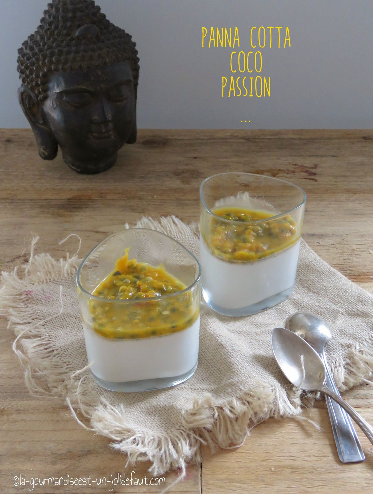 Panna cotta au lait de coco et fruits de la passion
