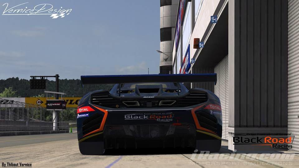 The Racing Line avec la Black Road Racing !