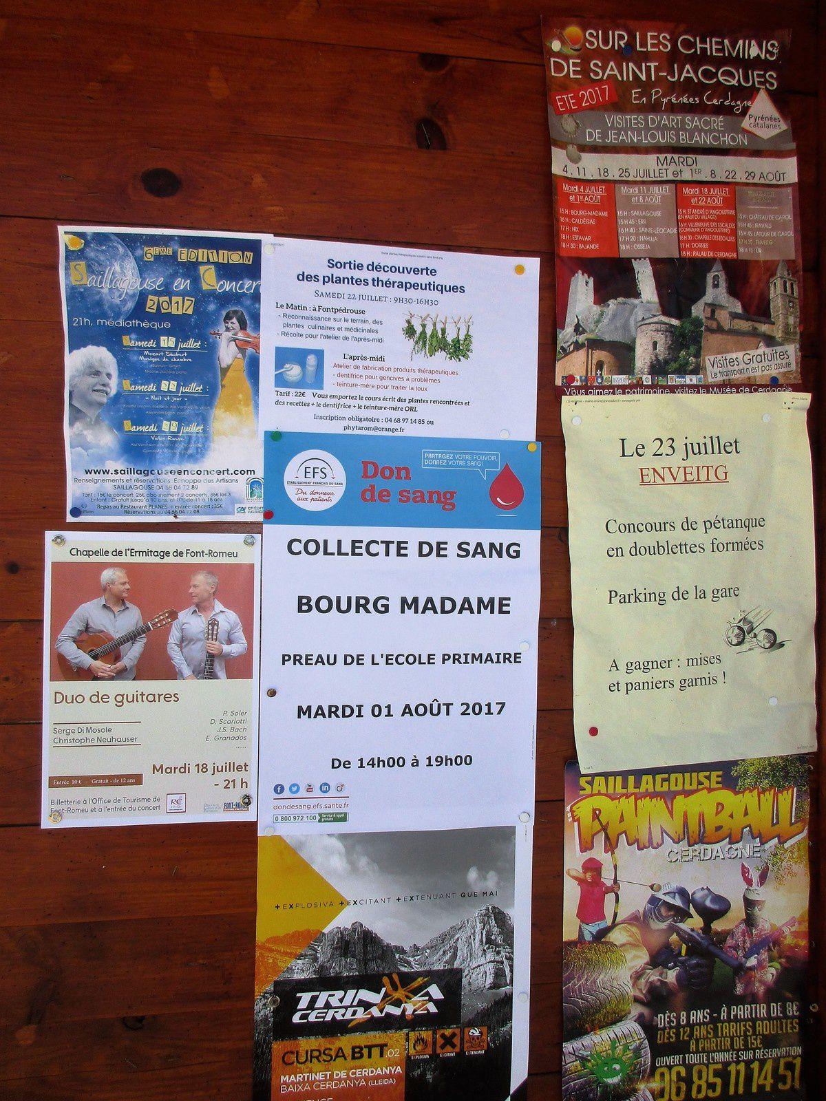 L'affiche d'une collecte de Sang qui aura lieu sous le préau, eh oui! à BOURG MADAME près de FONT ROMEU et Bernard (votre serviteur) posant devant la gare Internationale de LA TOUR DE CAROL ENVEITG
