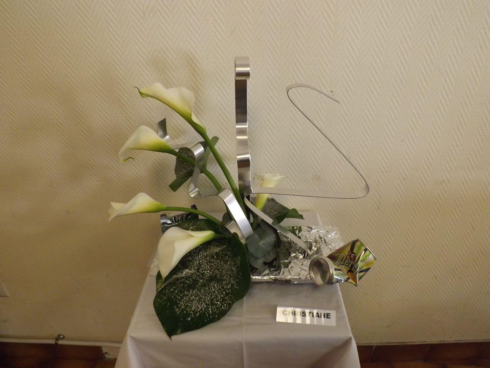 Arum, feuilles de Philo , canettes en metal , feuilles de metal.