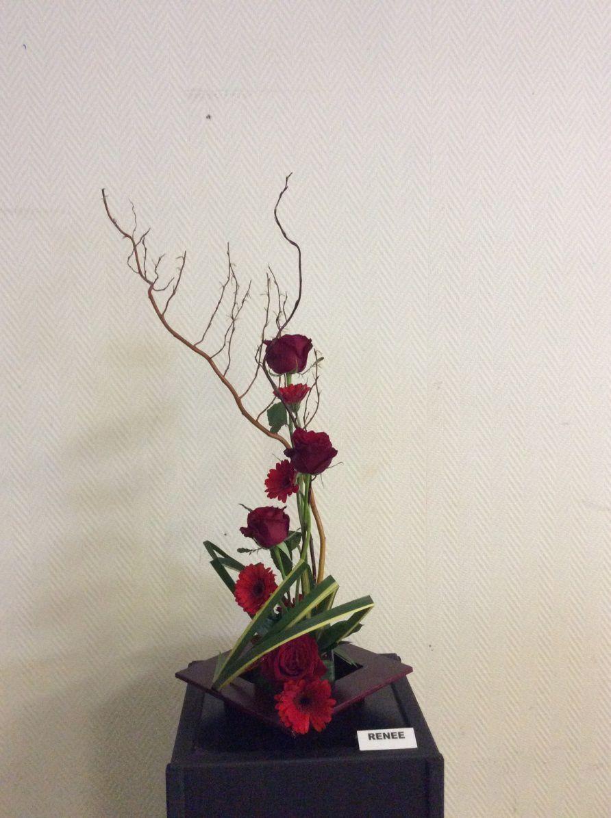 Salix, pandanus, germini, roses, ruscus.