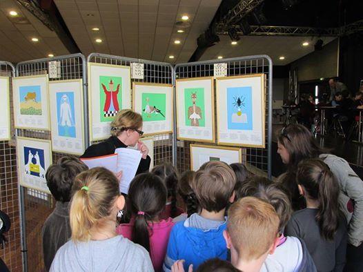 Lors de l'exposition Simonne Roumeur - Monique Oblin-Goalou accueille des groupes scolaires