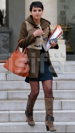 Najat Vallaud-Belkacem NVB  Elysée jupe collants bas bottes sexy hot belle PS ministre