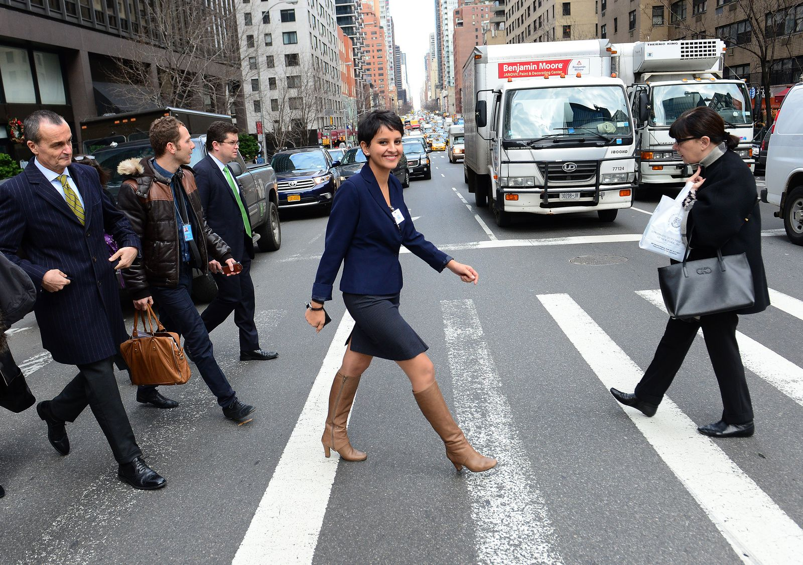 Najat Vallaud-Belkacem NVB  New-York USA France ministre hot belle jambes cuisses bottes cuir leather