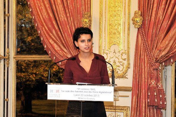Najat Vallaud-Belkacem NVB vote des femmes belle hot sexy cuisses collants bas bottes cuir leather
