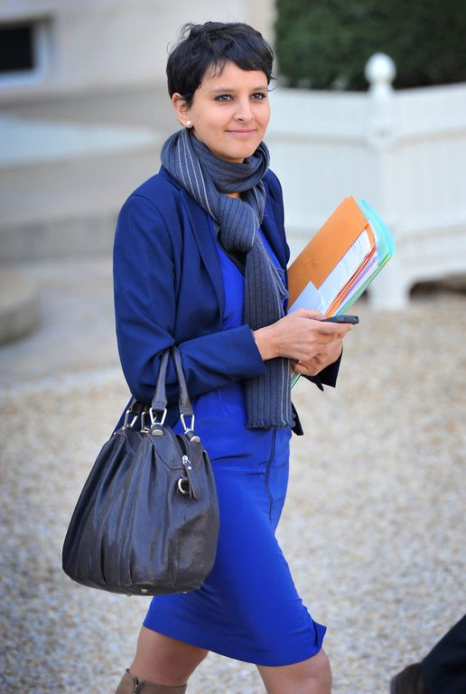Najat Vallaud-Belkacem NVB belle sexy hot jambes pieds cuisses bottes