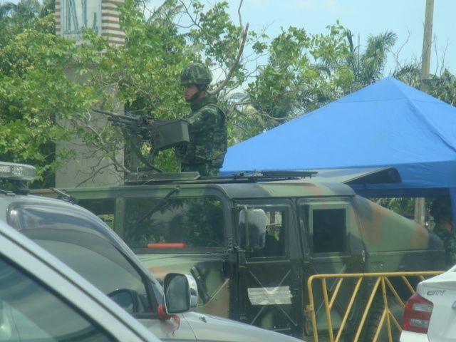 Un point de contrôle de l'armée à Bangkok
