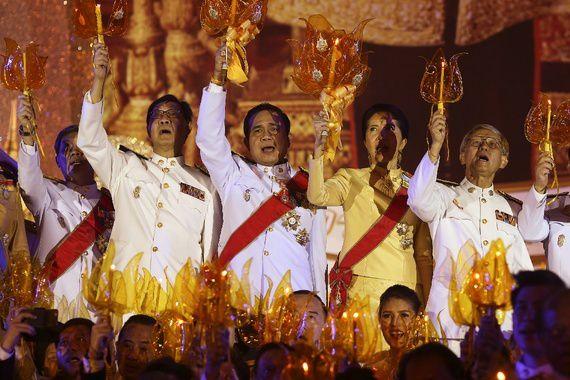 Le premier ministre de Thaïlande Prayuth Chan-ocha assiste à une cérémonie pour l'anniversaire du roi Bhumibol Adulyadej