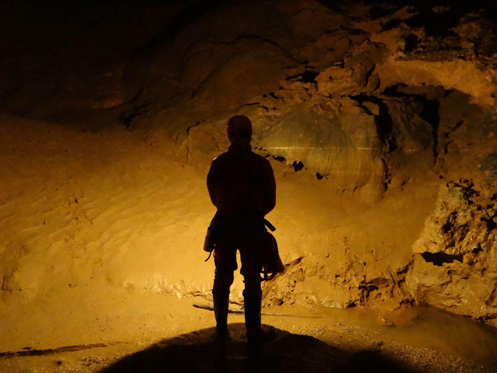 Spéléo : Rivière souterraine de la Castelette en photos