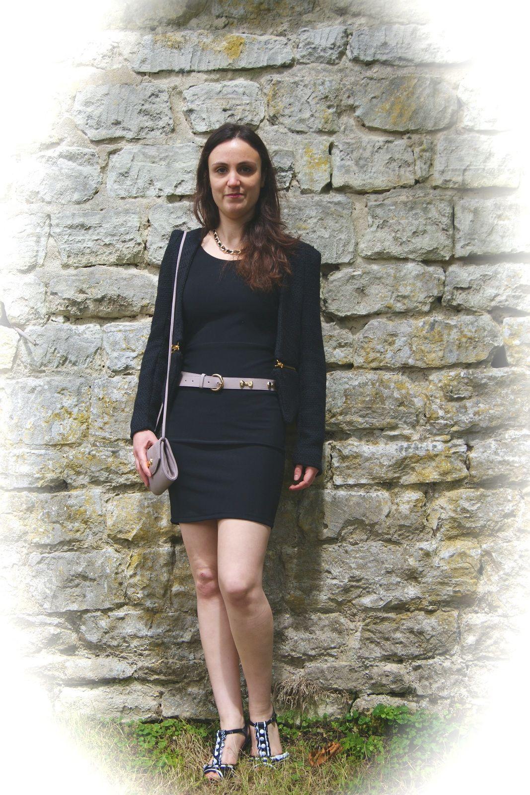La petite robe noire et ses accessoires