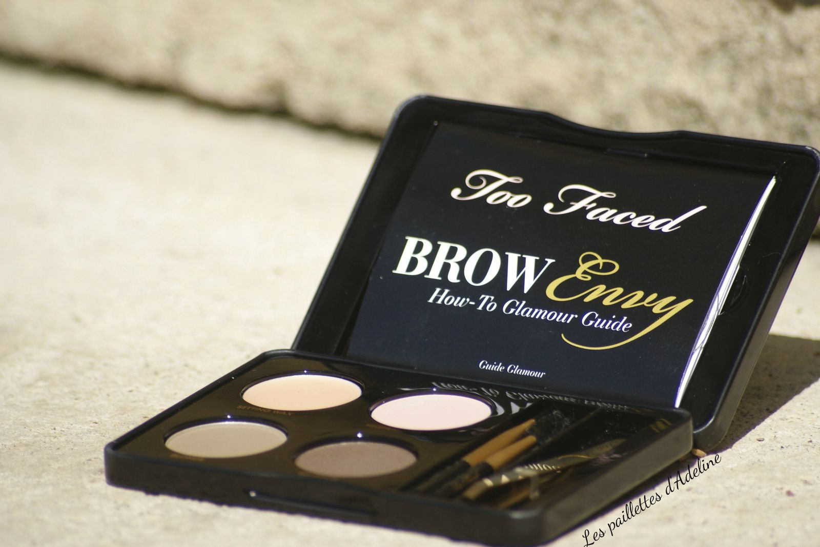 Le secret pour des sourcils parfaits avec Brow Envy de Too Faced