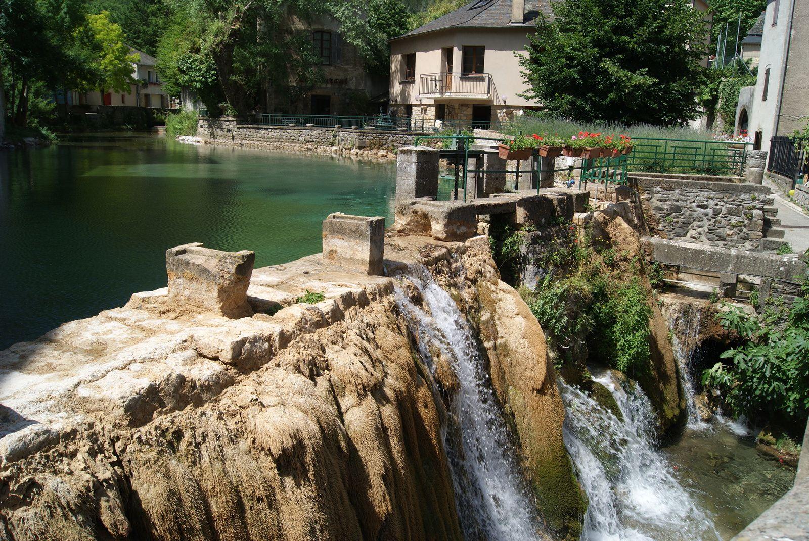 Le village de Florac et la grotte de Dargilan à Meyrueis