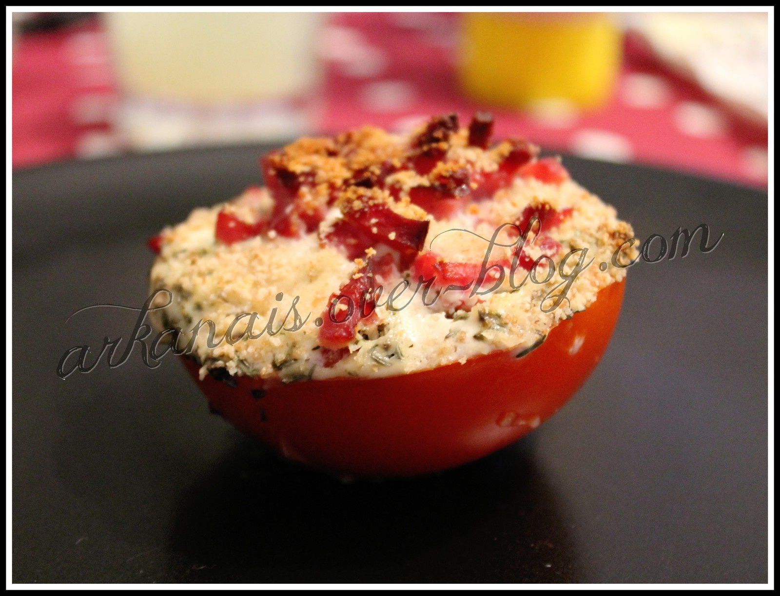 Tomates Fromage ail fines herbes &amp&#x3B; allumettes de Bacon