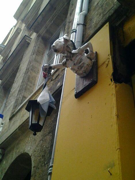 balade dans les rues du vieux Bordeaux ce matin, rue du Loup, rue des Argentiers, rue de Merignac, ....