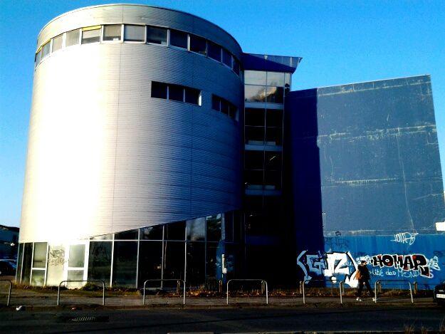 de nouvelles oeuvres ont été réalisées au cours d'en l été 2016, sur le campus et façade bibliothèque universitaire