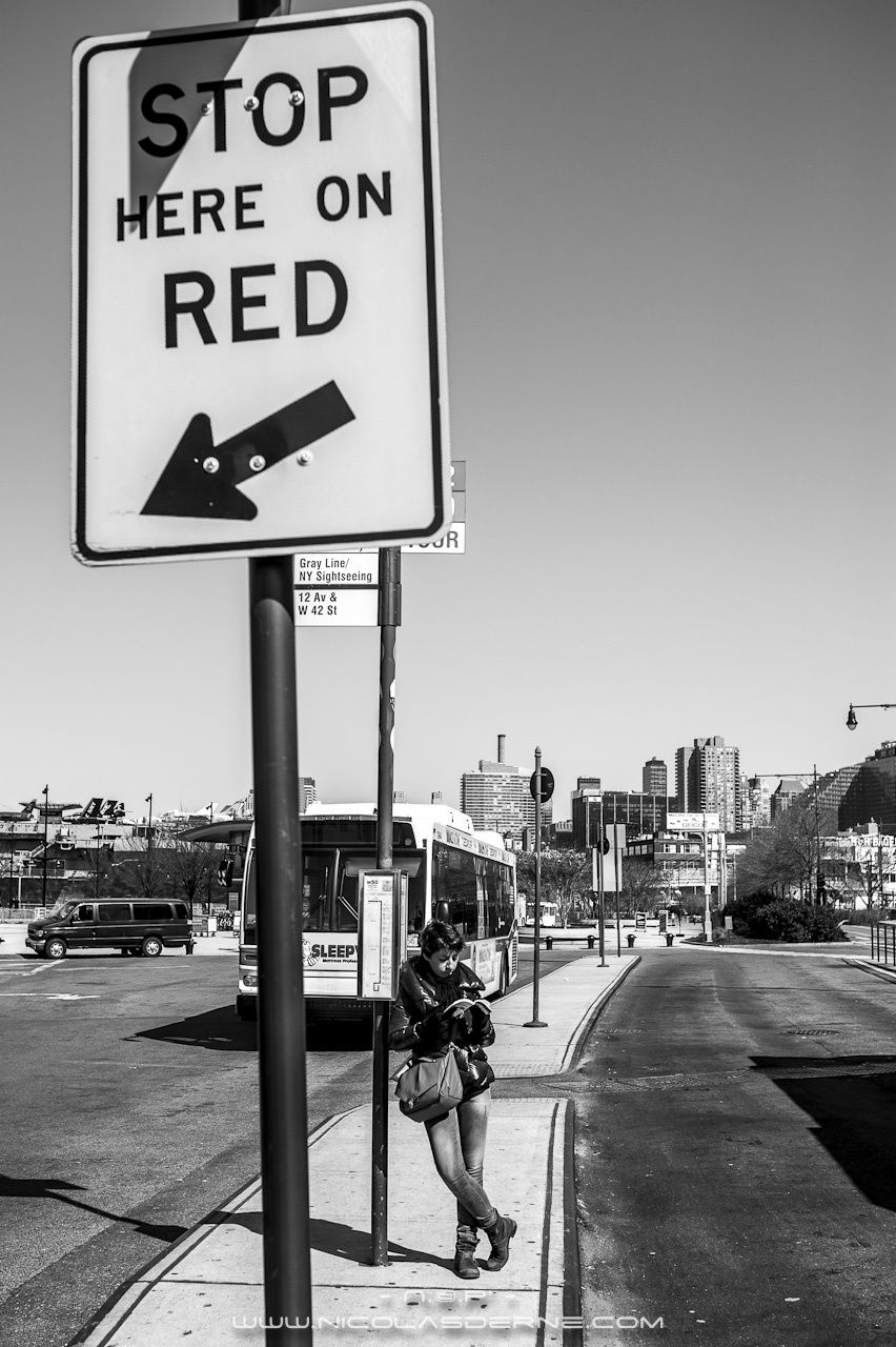 Stop here on RED © Nicolas DERNé