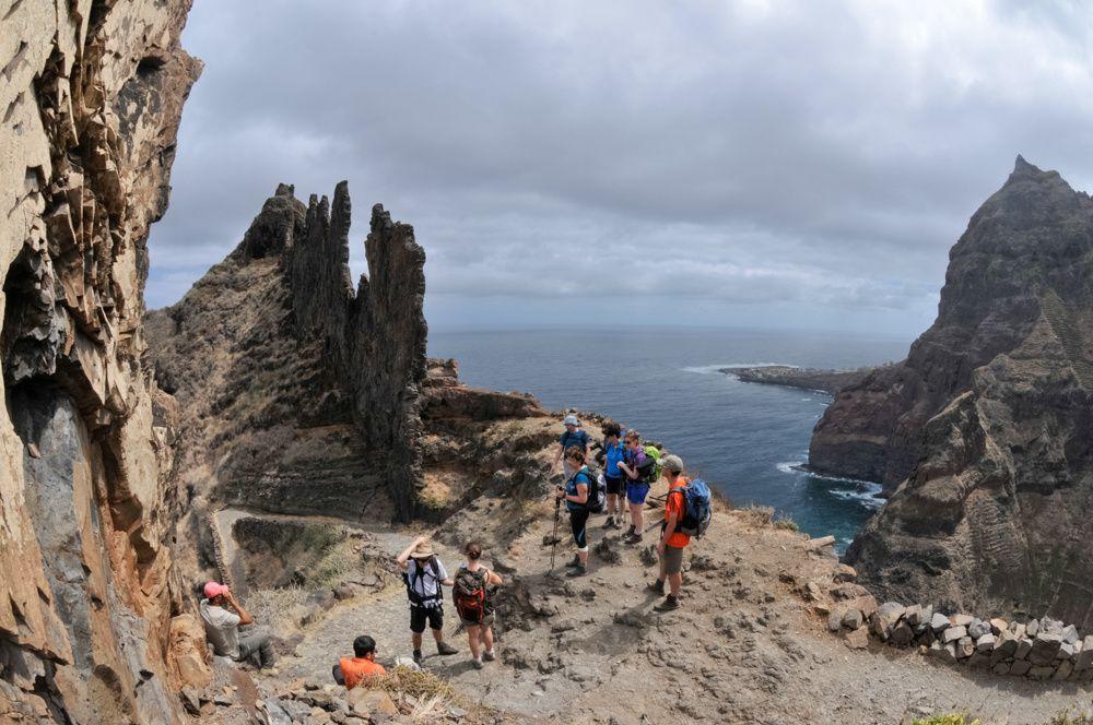 Magnifique rando côtière entre mer et montagnes de Ponta do sol en passant par fontainhas jusqu'à cha de Igreja
