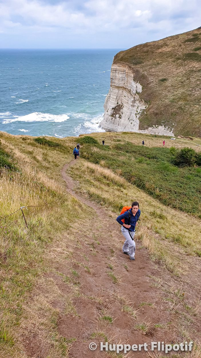 Sentier des douaniers, relief accidenté Etretat