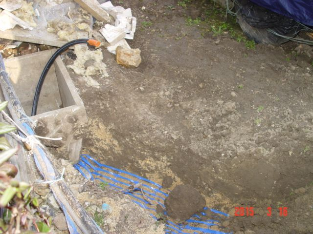 Travaux d'enfouissement d'un tuyau d'eau potable