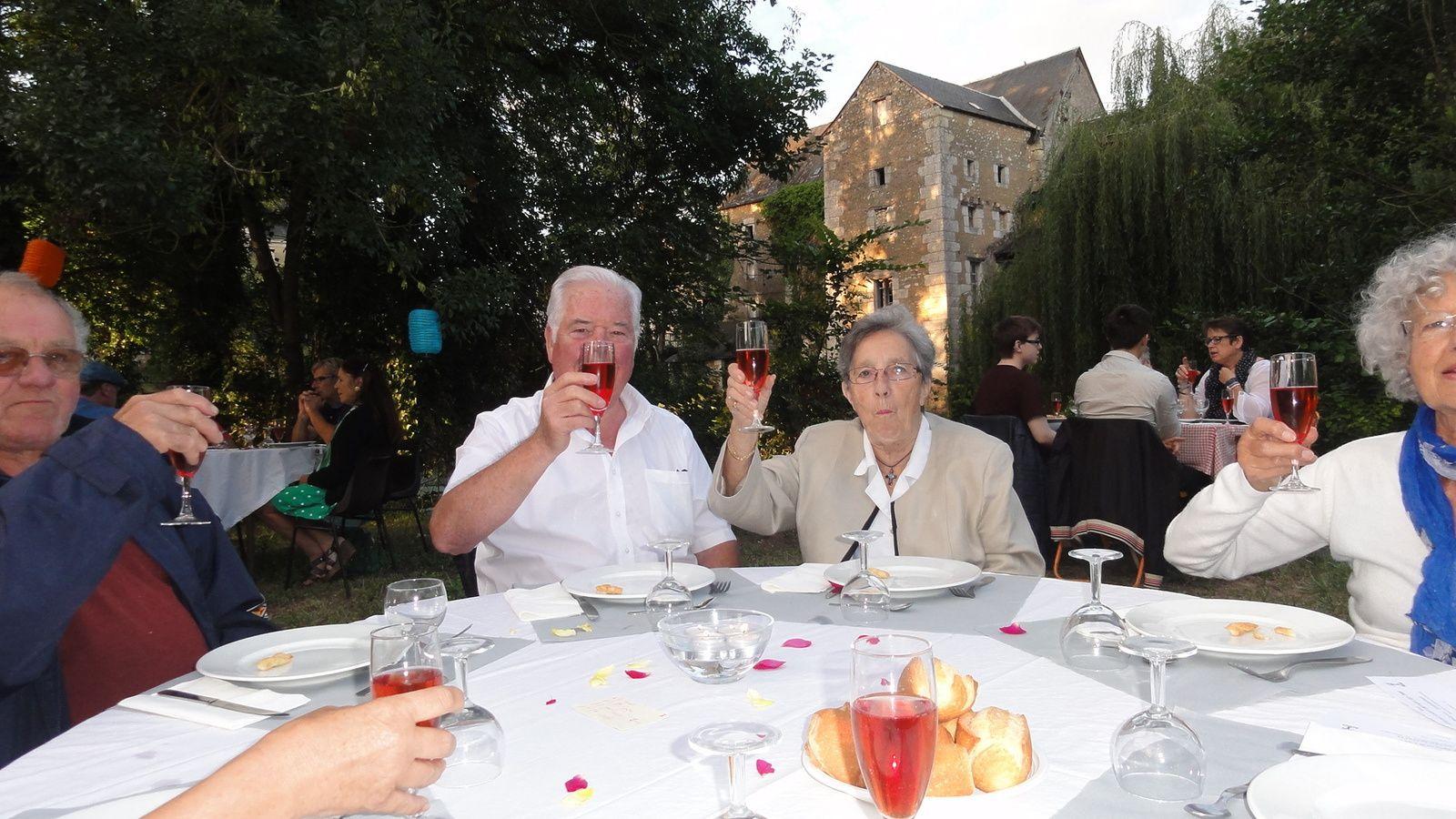 Notre dîner Italien aux chandelles et aux lampions à VAAS, le 15 Août.