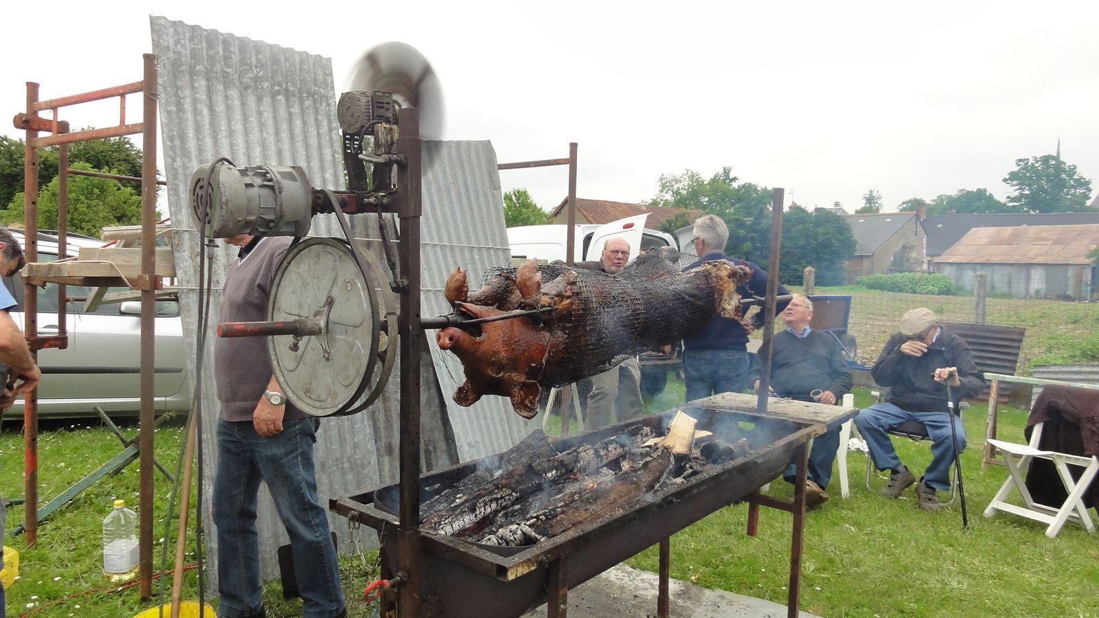 Cochon grillé des A F N, à VAAS,le 4 JUIN 2016.