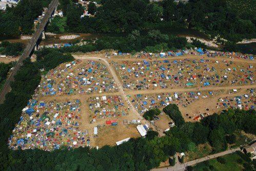 L'aire d'accueil du Garance Reggae Festival.