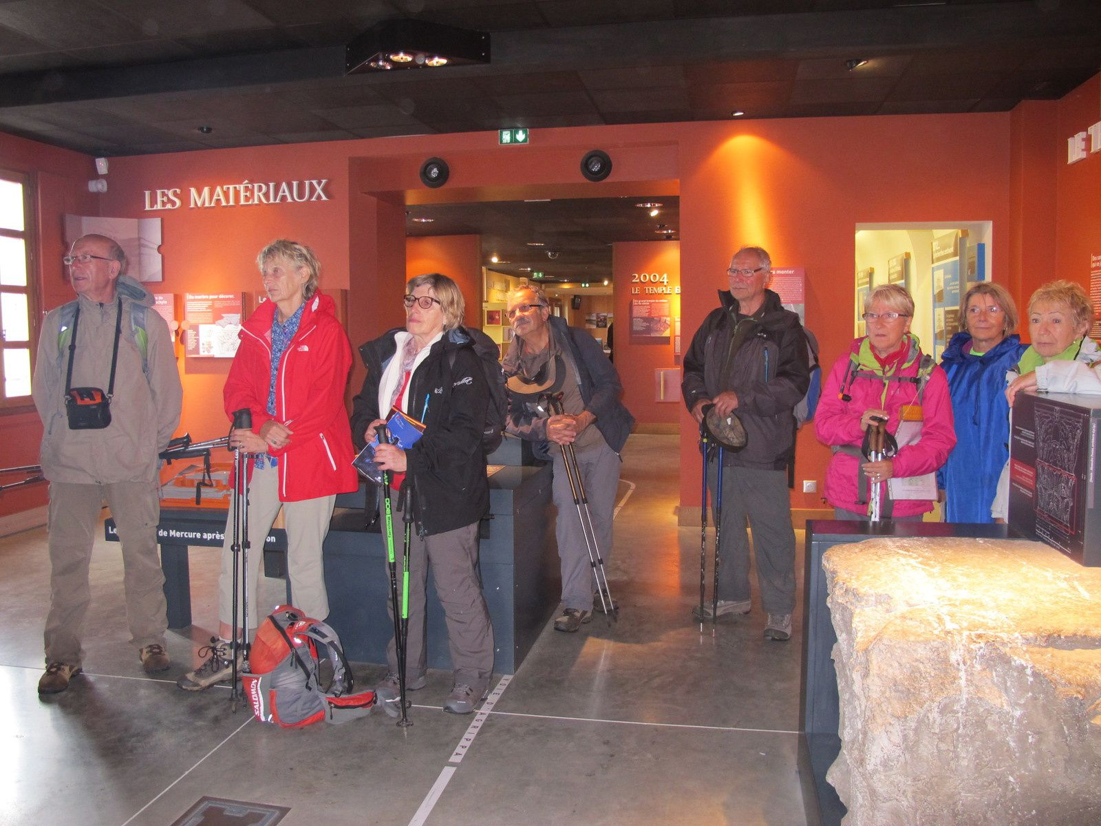 Quand les gallo-romains bâtissaient au sommet du Puy-de-Dôme le temple de Mercure, dieu du commerce et de la médecine et aussi, pour nous, protecteur des voyageurs. Un bel espace lui est maintenant réservé.