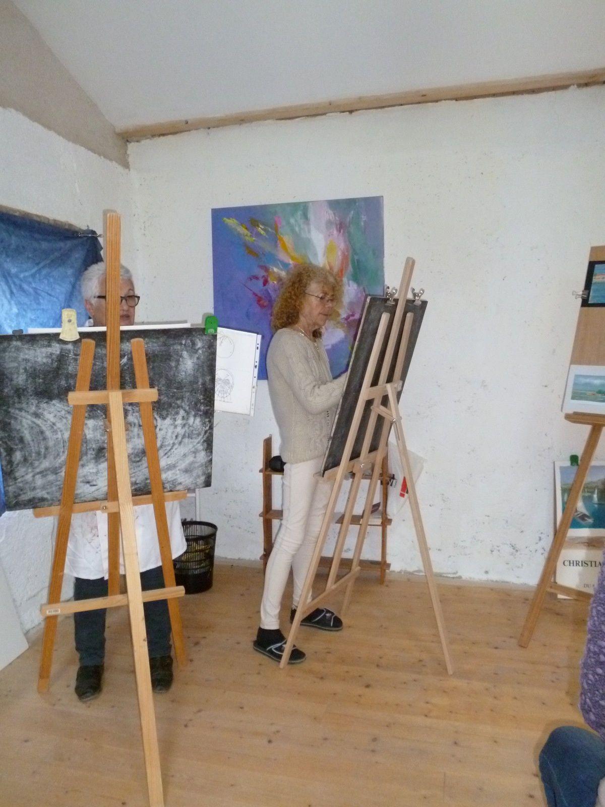 l'atelier se déplace aussi pour des séances de croquisL'atelier est sur 2 niveaux : une grande pièce à l'étage, une remise et une pièce d'accueil en RDC,