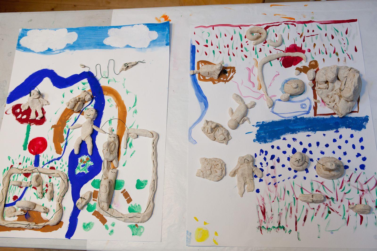 Au programme cet été : le volume, les natures mortes, une approche du personnage, de la gouache, de l'aquarelle, de l'acrylique, du fusain, de la craie, du collage, de la pâte à sel et un travail abstrait à partir de fusion à l'encre.