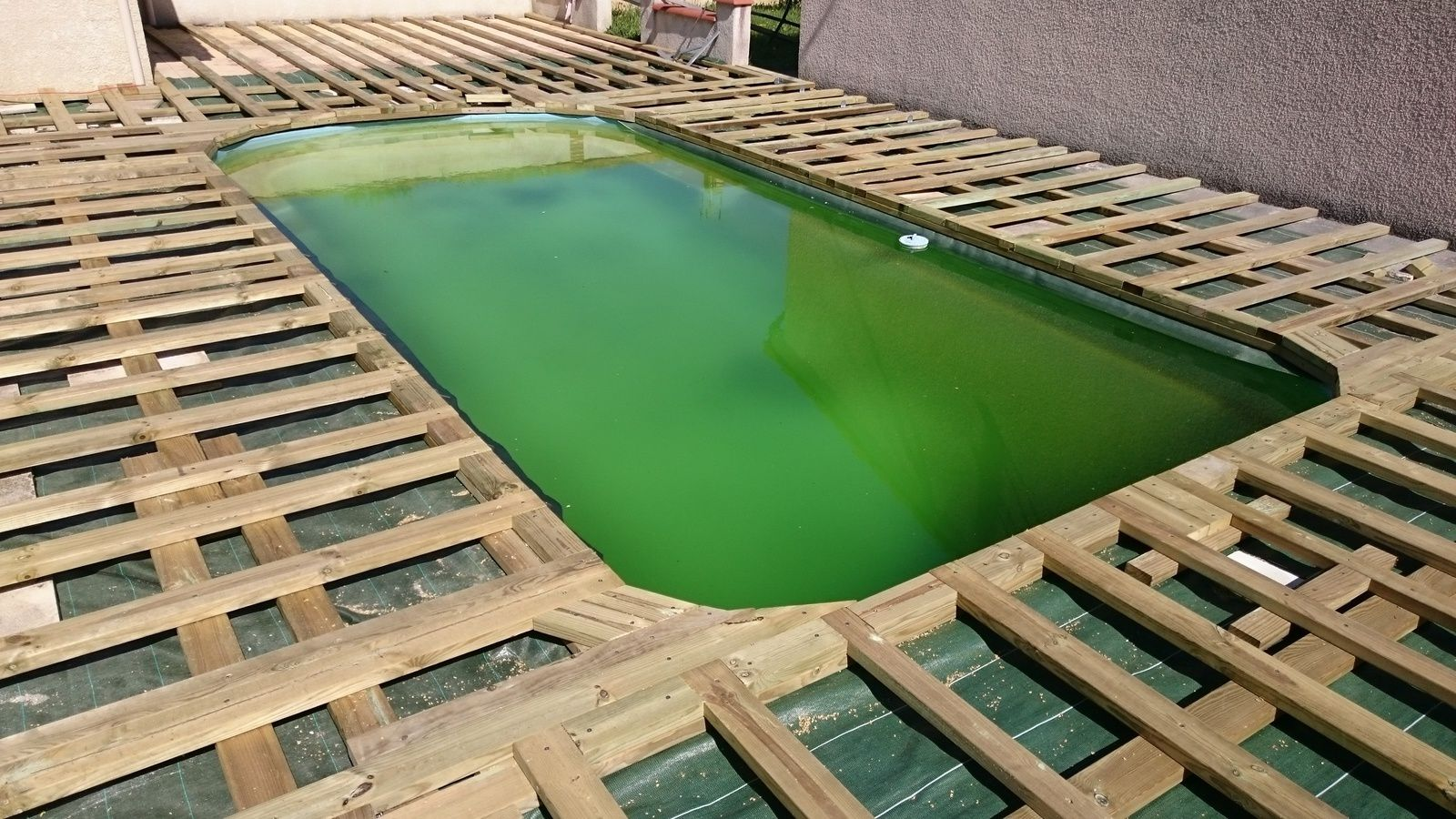Projet terrasse piscine composite r novation et for Terrasse piscine composite