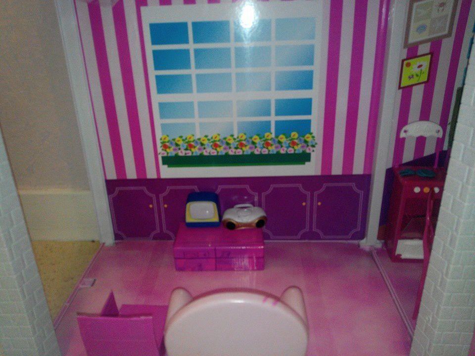 Une cuisine pour les poupées en recup'