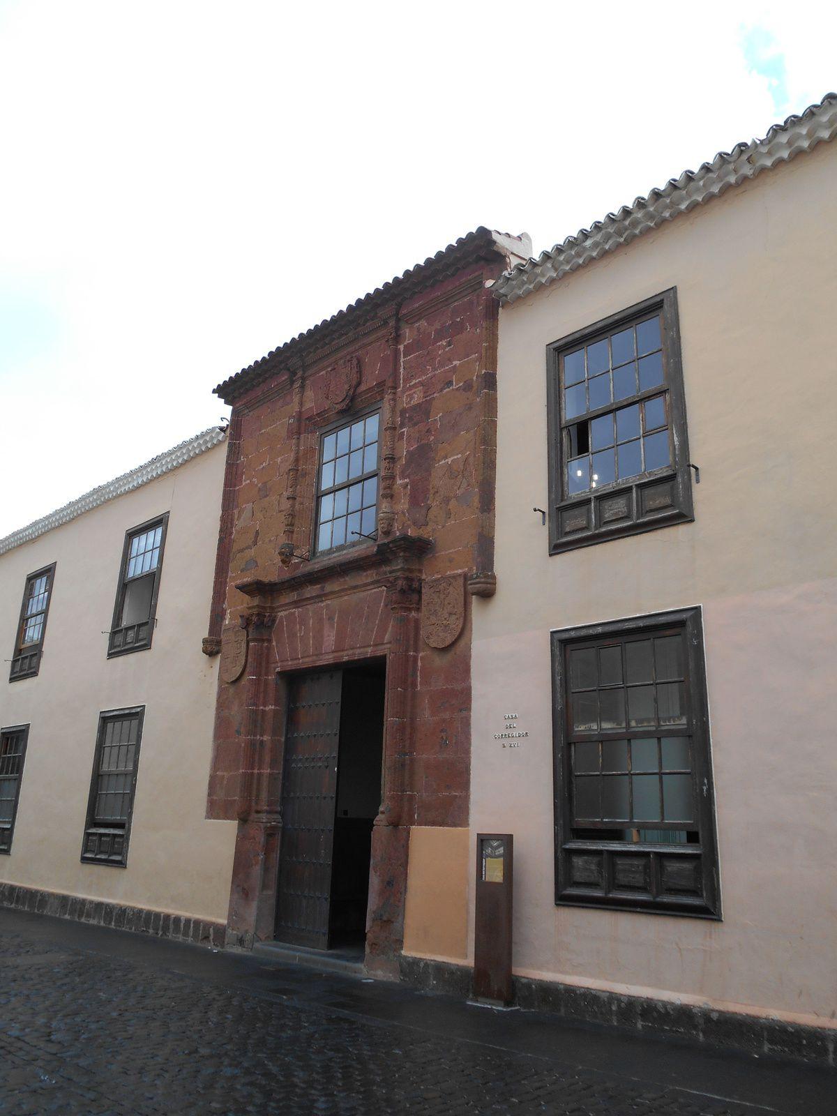 La Maison du Corrigeur est un des immeubles les plus anciens de la ville (1540).