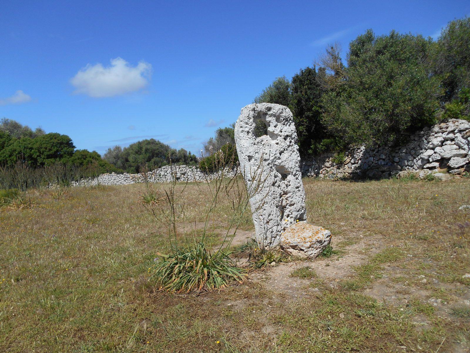 Le pilastre était une partie de la structure interne d'une maison talaiotique .