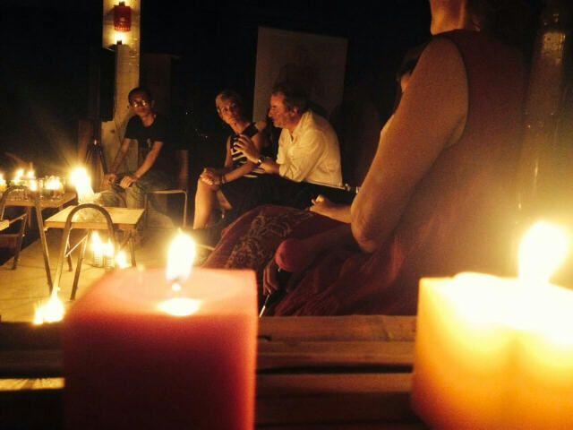 Une soirée mémorable : littérature aux chandelles