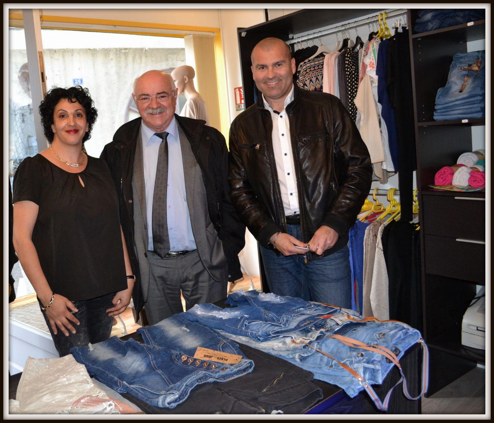 Véronique SAUVETRE , Mr le Maire de Tarascon Lucien LIMOUSIN & Jérôme POVEDA, Président de l'A.C.A.T.