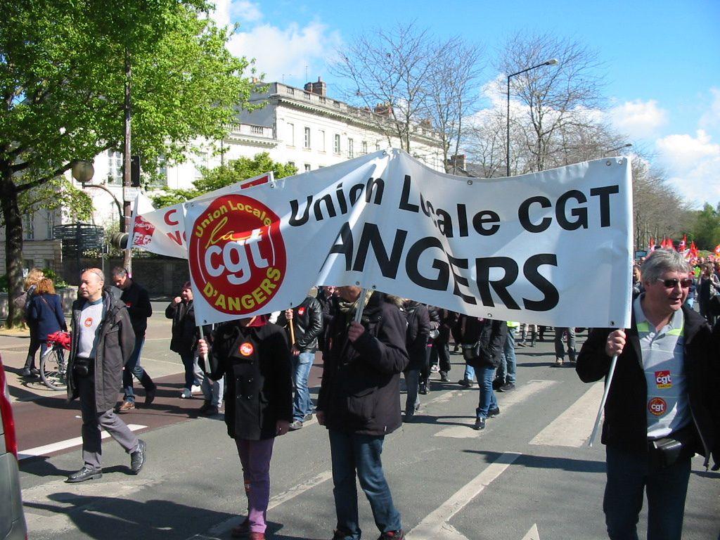 """Album photos manifestation d'Angers du jeudi 28 avril 2016 contre la loi dite """"travail""""."""