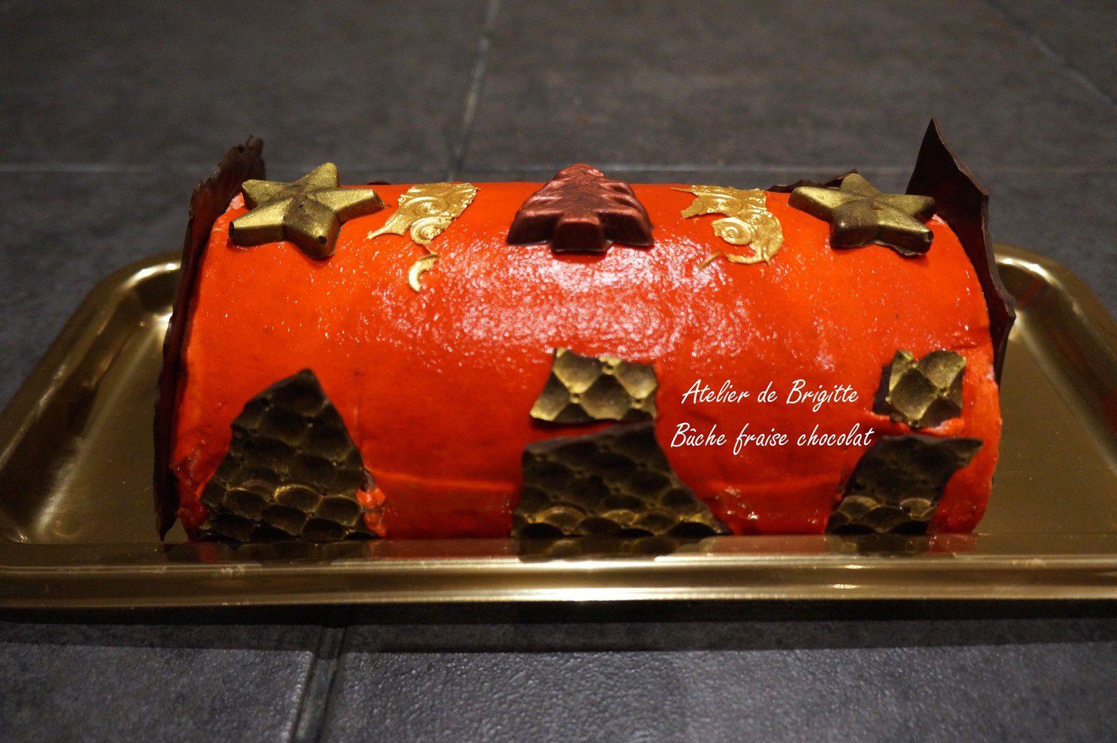 Bûche fraises chocolat