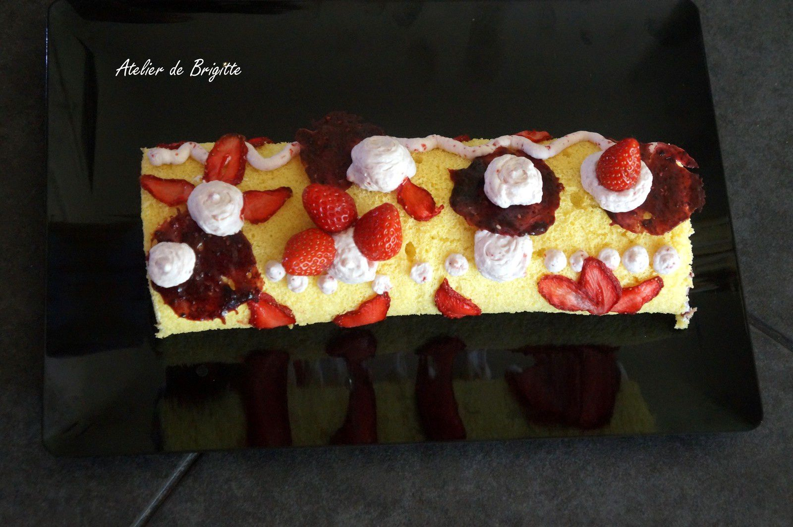 Roll cake Red