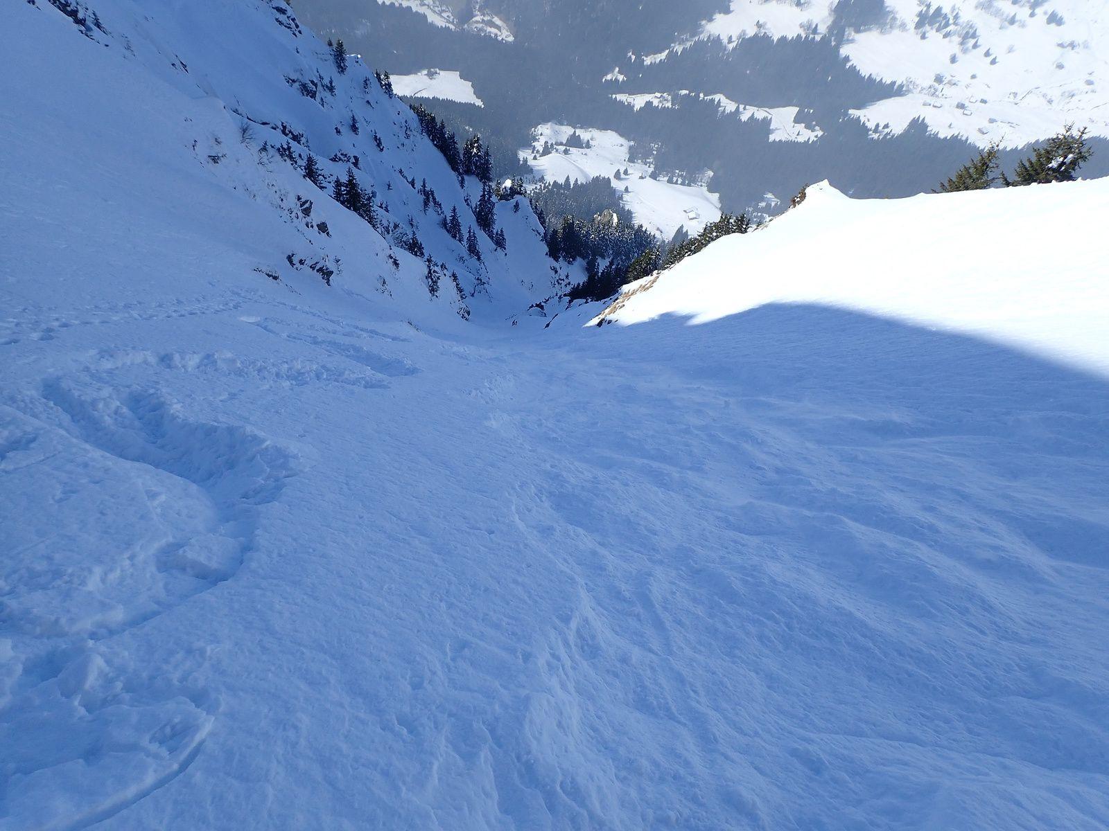 Pic de la Corne: Couloir Nord-Ouest depuis Monts d'Evian (2/2)