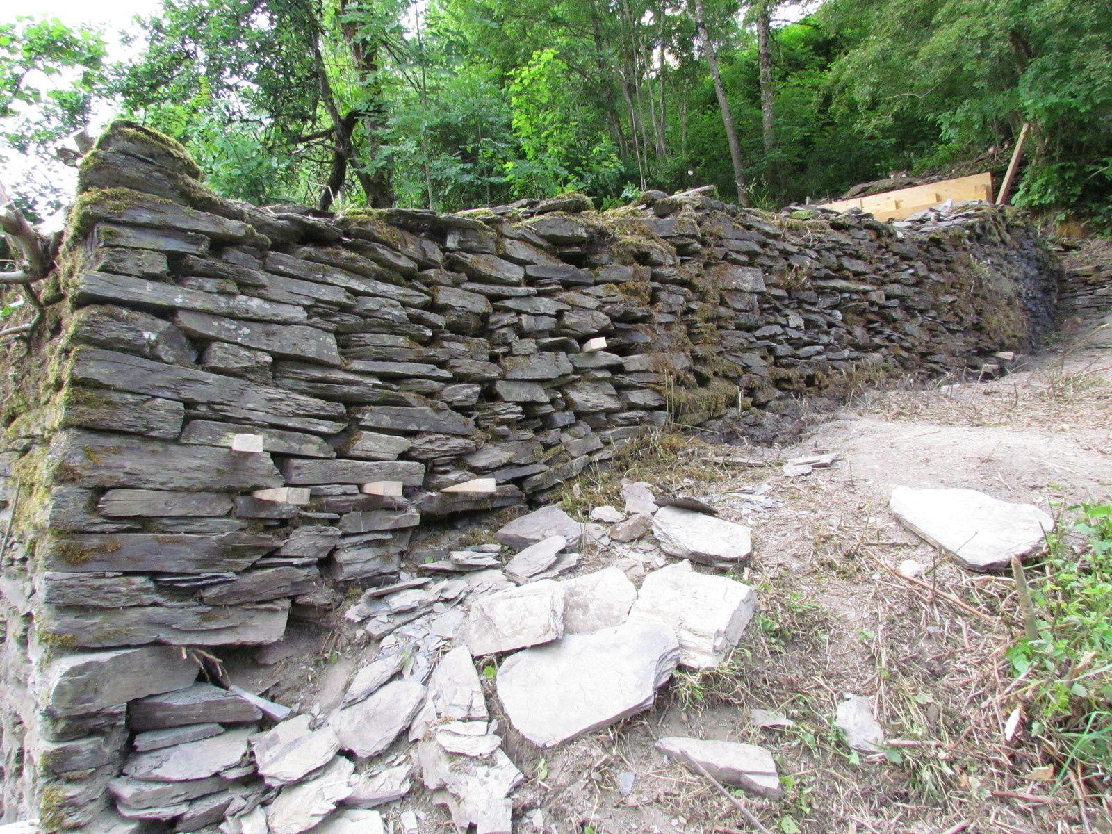 Murs en  pierres-sèches