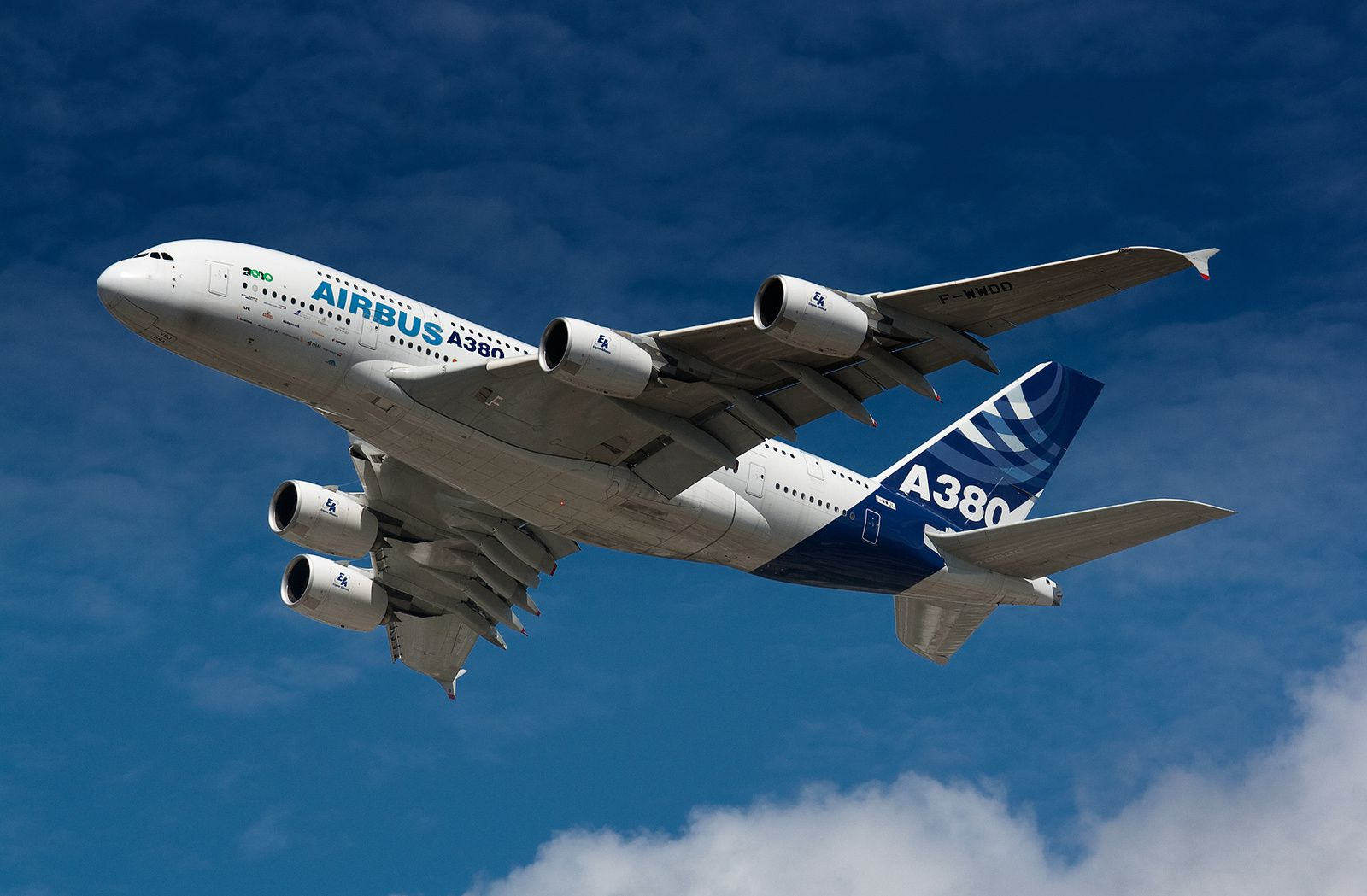 Airbus A380 - Photo Roger Green