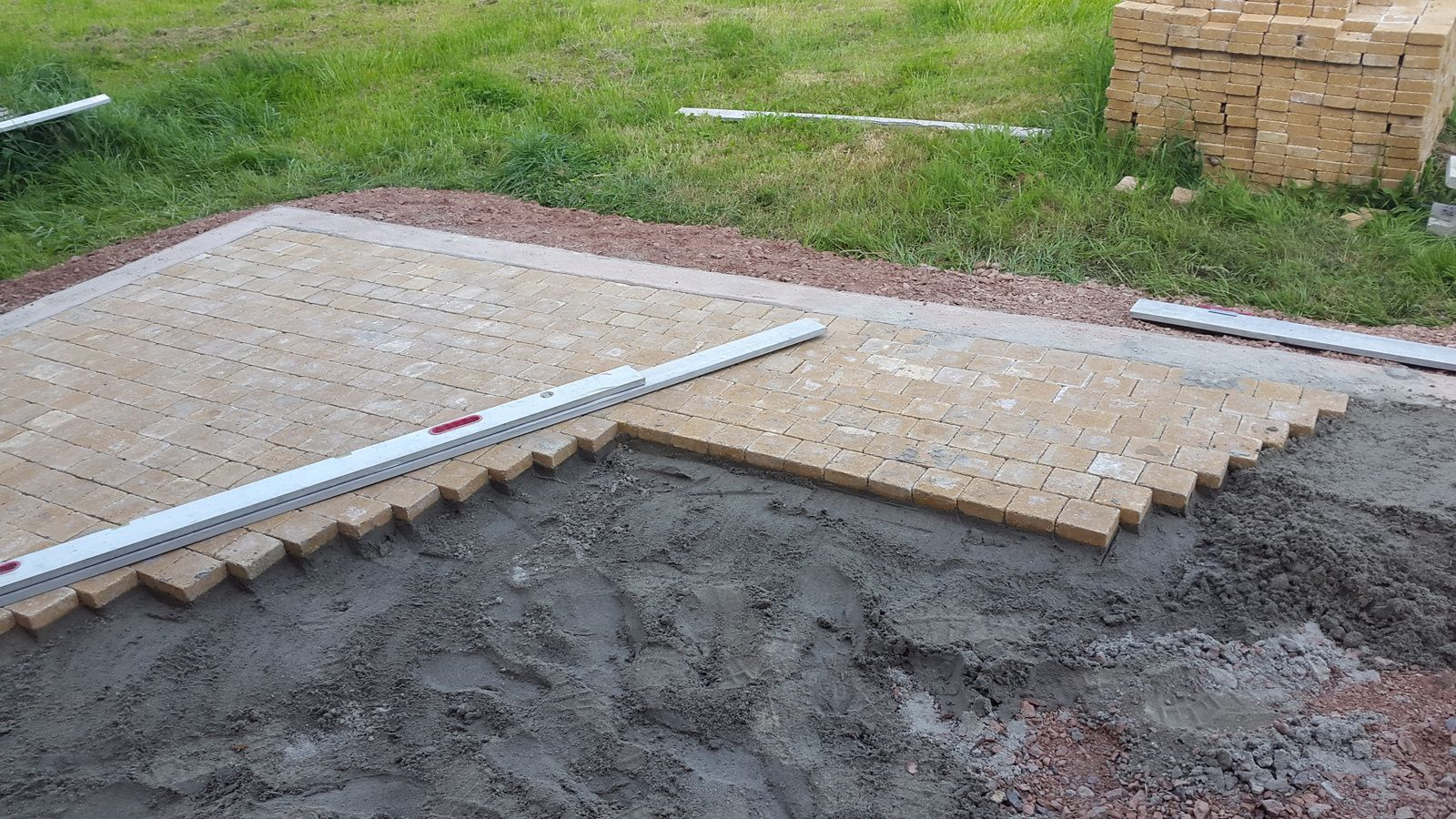 Creation terrasse en pav 14 14 hlmultiservices - Couler une dalle de terrasse ...
