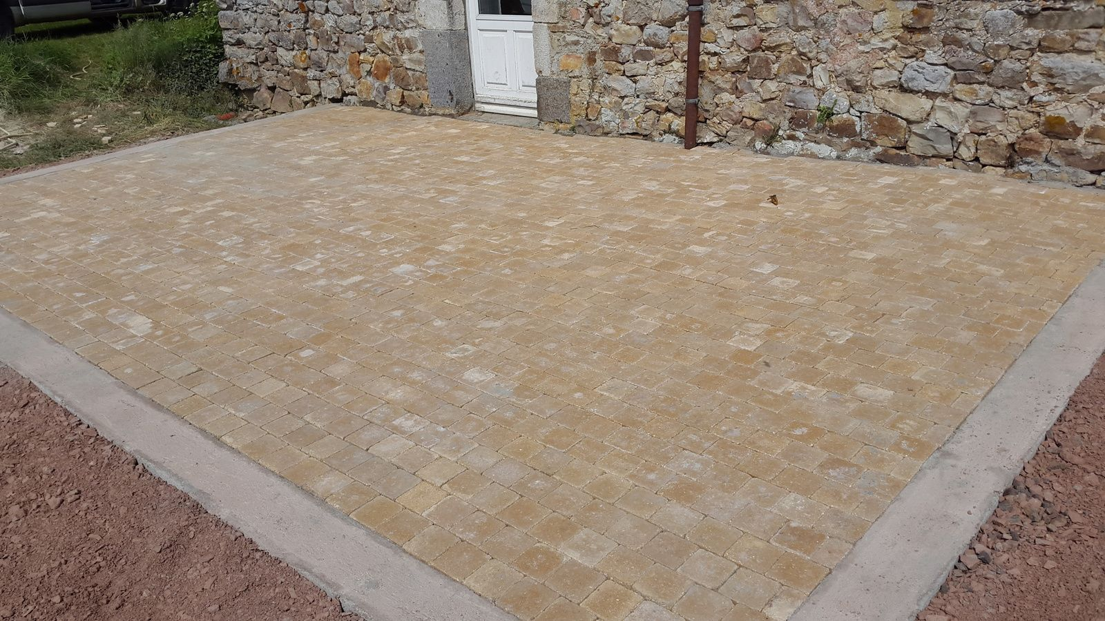 Creation terrasse en pav 14 14 hlmultiservices - Terrasse en carreaux de ciment ...