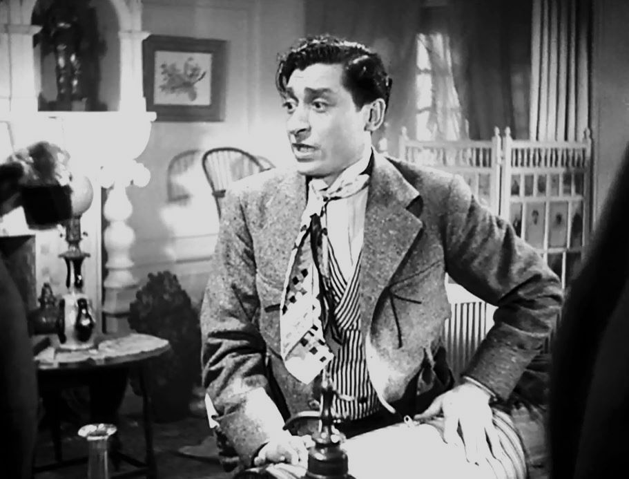 Henri Guisol tient le rôle du journaliste poivrot (Buffington), un comédien niçois qui malheureusement au cinéma n'a pas fait la carrière qu'il aurait pu faire. Il n'a pas eu la même notoriété sur le grand écran que sur la scène des théâtres où il eut beaucoup de succès. Il a été souvent remarquable dans des seconds rôles notamment dans Trois valses de Ludwig Berger ainsi que dans Le Crime de M. Lange de Renoir.