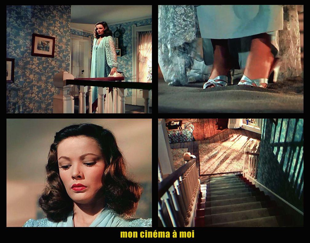 Demeurée seule, Ellen se mit à fouiller fébrilement dans son armoire. Elle mit un déshabillé garni de dentelles et, malgré la défense du docteur, enfila des mules à hauts talons. Elle sortit de sa chambre, s'arrêta un instant devant la porte du cabinet de travail de Richard. Le «tac-tac» de la machine à écrire se faisait entendre. Soupirant, elle se dirigea vers l'escalier. Comme par hasard, une de ses mules se trouva coincée dans le tapis en haut de la première marche de l'escalier. Au lieu de dégager sa chaussure, elle en retira Ion pied et, prenant son élan ... elle se laissa tomber du haut l'escalier…
