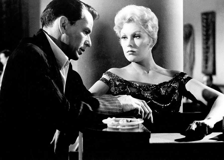 Frank Sinatra et Kim Novak dans The Man With the Golden Arm (L'Homme au bras d'or) d'Otto Preminger (1955) tiré du roman homonyme de Nelson Algren